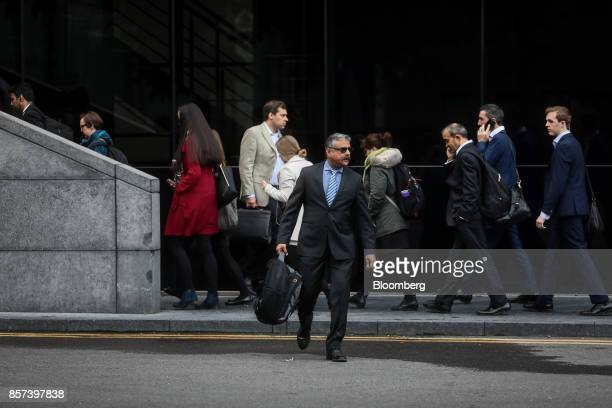 Amit Soni a senior accountant at Tesco Plc center arrives to appear as a witness at Southwark Crown Court in London UK on Wednesday Oct 4 2017 Soni a...