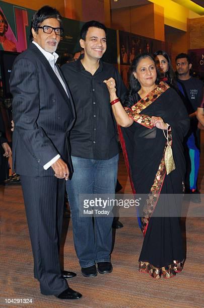 Amitabh and Jaya Bachchan with designer Nachiket Barve on the third day of Lakme fashion Week 2010 in Mumbai on September 19 2010