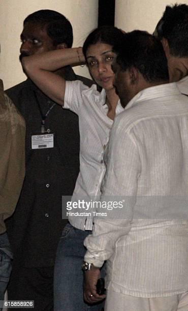 Amitabh Bachchan Hospitalised Tabu at Lilavati hospital to see Amitabh Bachchan