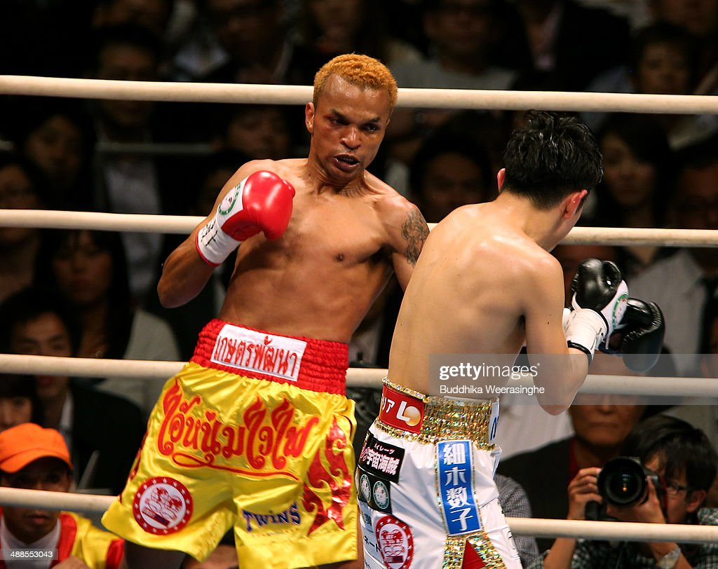 <a gi-track='captionPersonalityLinkClicked' href=/galleries/search?phrase=Amnat+Ruenroeng&family=editorial&specificpeople=4607245 ng-click='$event.stopPropagation()'>Amnat Ruenroeng</a> (L) of Thailand exchanges punches with <a gi-track='captionPersonalityLinkClicked' href=/galleries/search?phrase=Kazuto+Ioka&family=editorial&specificpeople=7488576 ng-click='$event.stopPropagation()'>Kazuto Ioka</a> of Japan during the IBF minimum weight title bout between <a gi-track='captionPersonalityLinkClicked' href=/galleries/search?phrase=Kazuto+Ioka&family=editorial&specificpeople=7488576 ng-click='$event.stopPropagation()'>Kazuto Ioka</a> of Japan and <a gi-track='captionPersonalityLinkClicked' href=/galleries/search?phrase=Amnat+Ruenroeng&family=editorial&specificpeople=4607245 ng-click='$event.stopPropagation()'>Amnat Ruenroeng</a> of Thailand at the Bodymaker Colosseum on May 7, 2014 in Osaka, Japan.