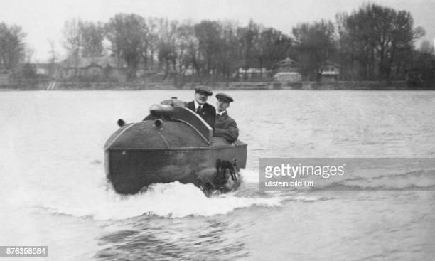 amphibian vehicles Vienna selfmade amphibian car at sea date unknown probably 1915 puiblished in Nr 14/1915