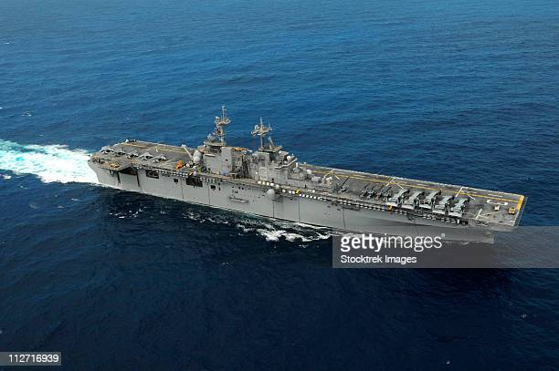 Amphibious assault ship USS Kearsarge.