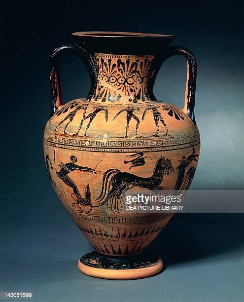 Amphora with a chariot scene by the Micali Painter Blackfigure pottery Etruscan Civilisation 6th Century BC Copenhagen Ny Carlsberg Glyptotek