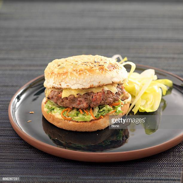 Amsterdam cheeseburger