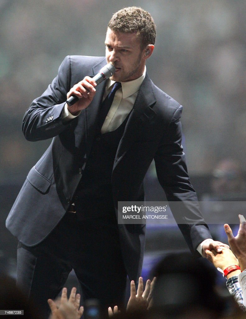 US singer Justin Timberlake performs during a concert in the Amsterdam ArenA, 16 June 2007.