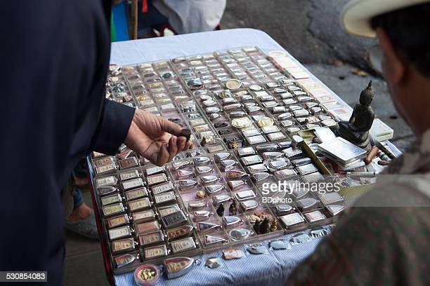 Amulet shopping, Bangkok