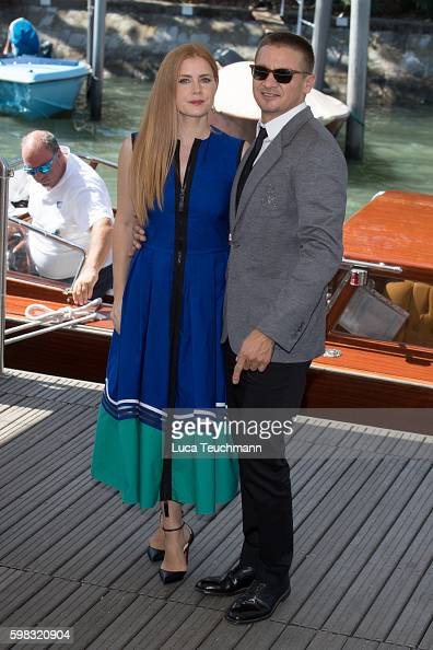 amy-adam-and-jeremy-renner-arrive-at-lido-during-the-73rd-venice-film-picture-id598320904