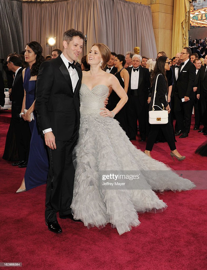 Amy Adams and Darren Le Gallo arrive at the 85th Annual Academy Awards at Dolby Theatre on February 24, 2013 in Hollywood, California.