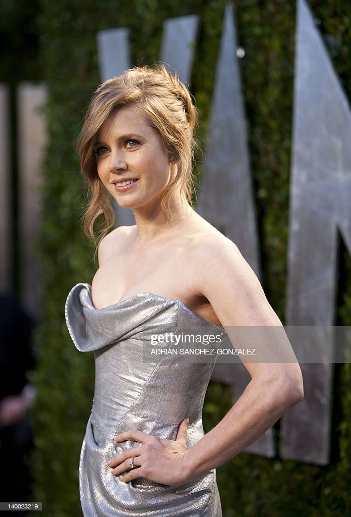 Amy Adams arrives at the Vanity Fair Oscar Party, for the 84th Annual Academy Awards, at the Sunset Tower on February 26, 2012 in West Hollywood, California.