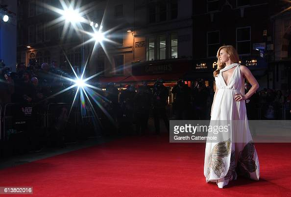 Amy Adams attends the 'Arrival' Royal Bank Of Canada Gala screening during the 60th BFI London Film Festival at Odeon Leicester Square on October 10...