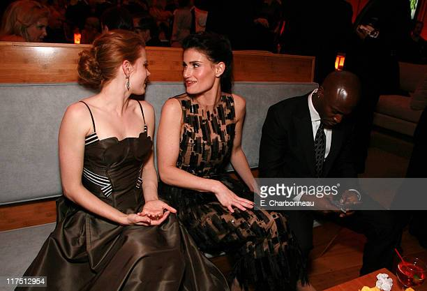 Amy Adams Idina Menzel and Taye Diggs during 2006 Vanity Fair Oscar Party Hosted by Graydon Carter at Morton's in Beverly Hills California United...