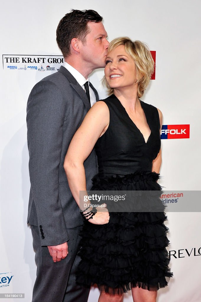 <a gi-track='captionPersonalityLinkClicked' href=/galleries/search?phrase=Amy+Carlson&family=editorial&specificpeople=209042 ng-click='$event.stopPropagation()'>Amy Carlson</a> (R) and Syd Butler attend the Elton John AIDS Foundation's 11th Annual 'An Enduring Vision' Benefit at Cipriani Wall Street on October 15, 2012 in New York City.
