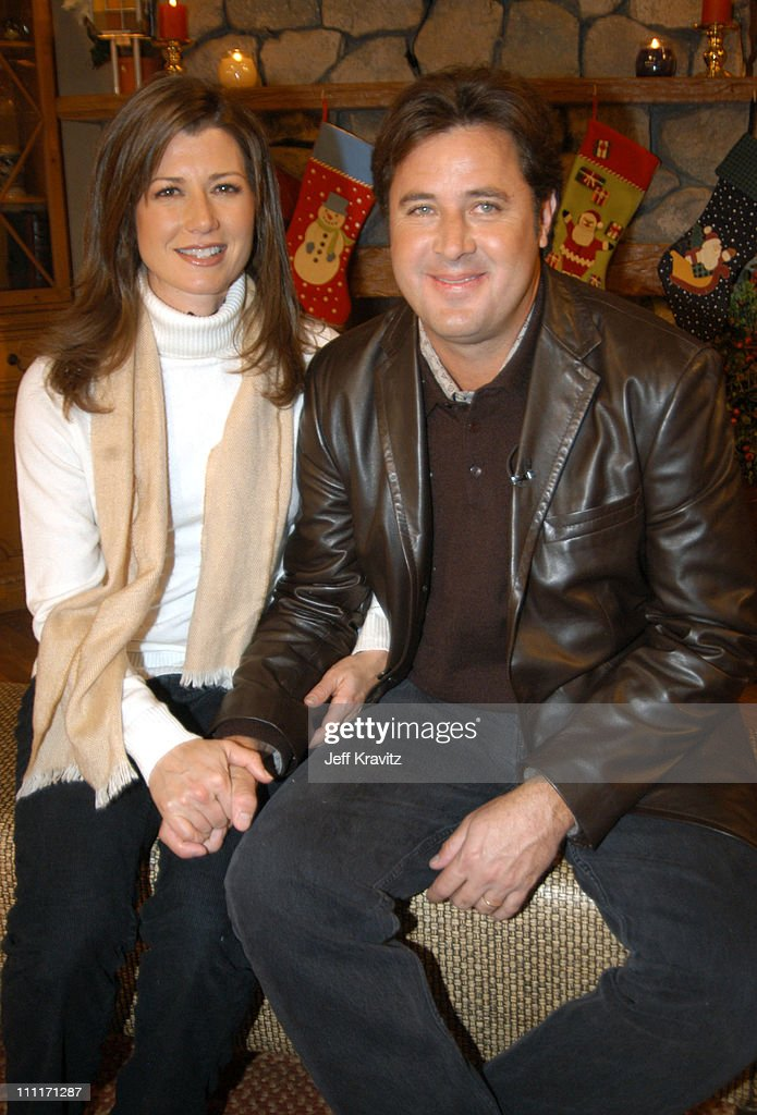 Amy Grant and Vince Gill during Nick at Nite Celebrates the Holiday Season with 'The Nick at Nite Holiday Special' Airing on Friday Nov 28 at CBS...