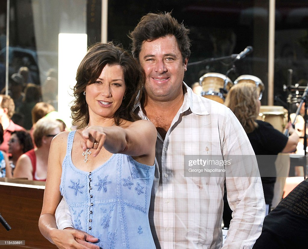 "Vince Gill and Amy Grant Perform On NBC??s ""Today"""
