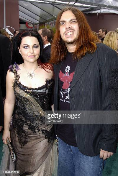 Amy Lee of Evanescence and Shaun Morgan of Seether
