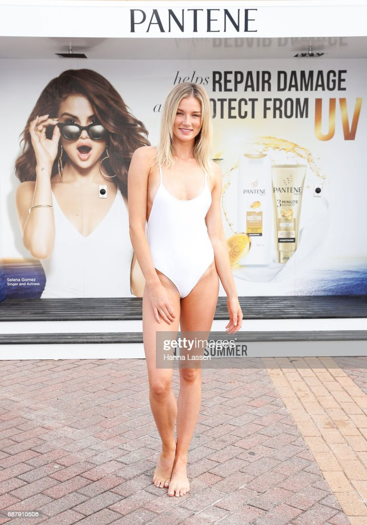 Amy Pejkovic attends the Pantene Summer Showers Launch at Bondi Beach on December 8, 2017 in Sydney, Australia.