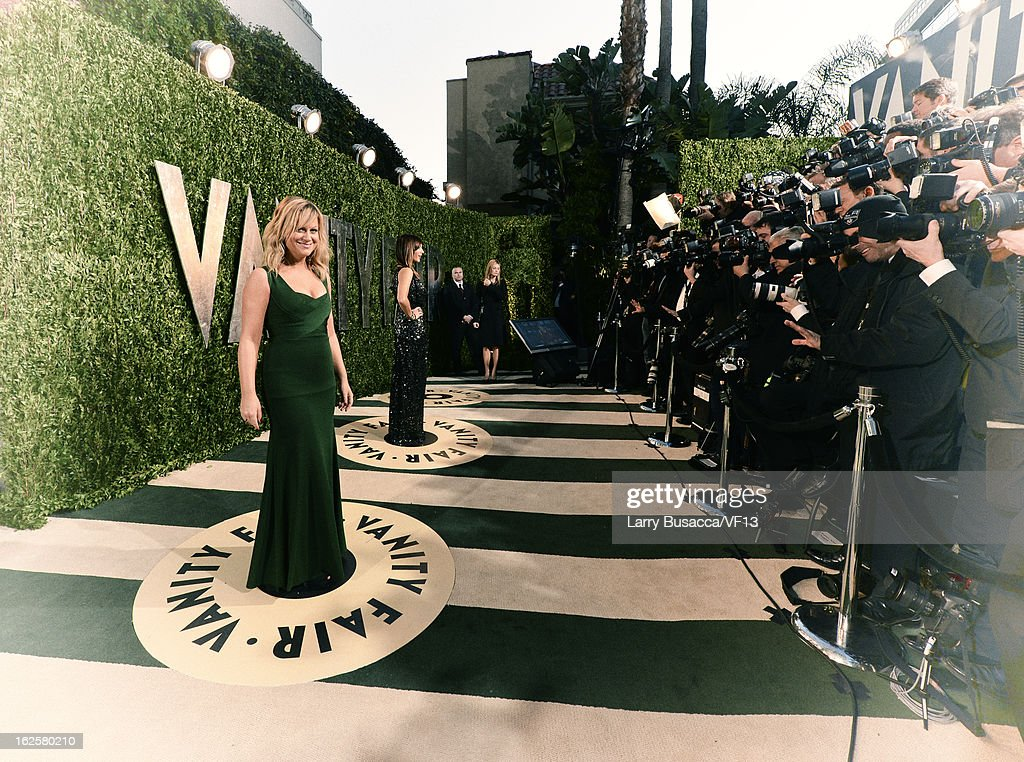 Amy Pohler arrives for the 2013 Vanity Fair Oscar Party hosted by Graydon Carter at Sunset Tower on February 24, 2013 in West Hollywood, California.