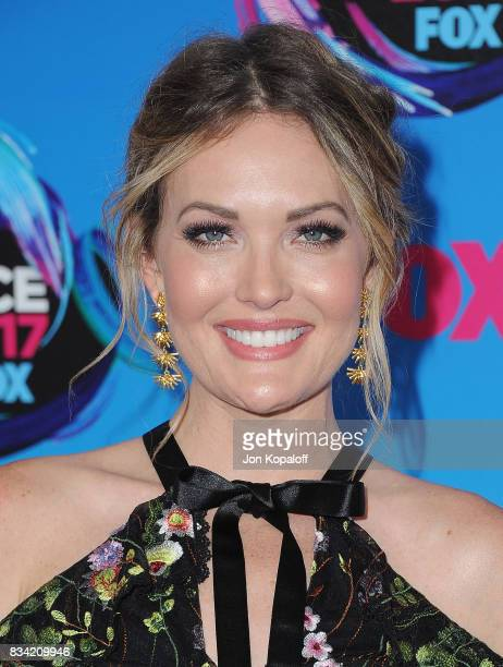 Amy Purdy arrives at the Teen Choice Awards 2017 at Galen Center on August 13 2017 in Los Angeles California