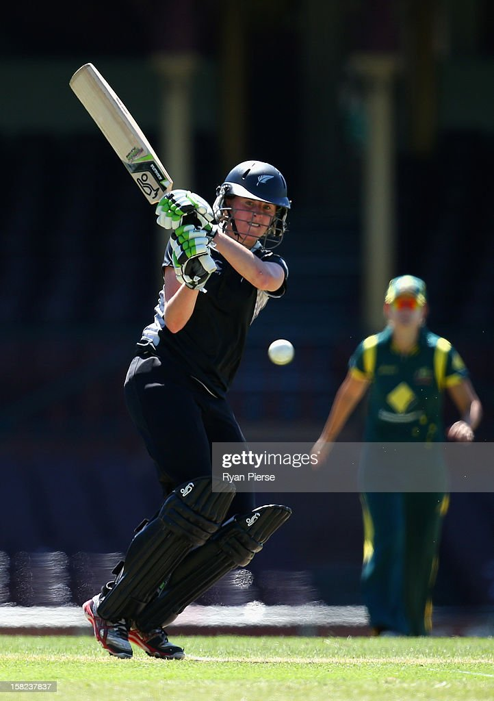 Amy Satterthwaite of New Zealand bats during the first Rose Bowl Series One Day International match between Australia Southern Stars and New Zealand Silver Ferns at the Sydney Cricket Ground on December 12, 2012 in Sydney, Australia.
