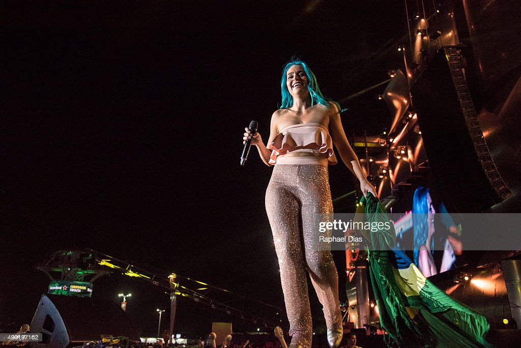 Amy Sheppard from Sheppard performs at 2015 Rock in Rio on September 26, 2015 in Rio de Janeiro, Brazil.