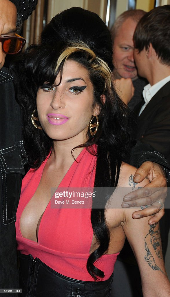 Amy Winehouse attends The Q Awards, at the Grosvenor House on October 26, 2009 in London, England.
