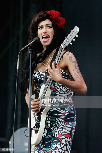 Amy Winehouse performs live on the V stage during Day Two of V Festival 2008 at Hylands Park on August 17 2008 in Chelmsford England
