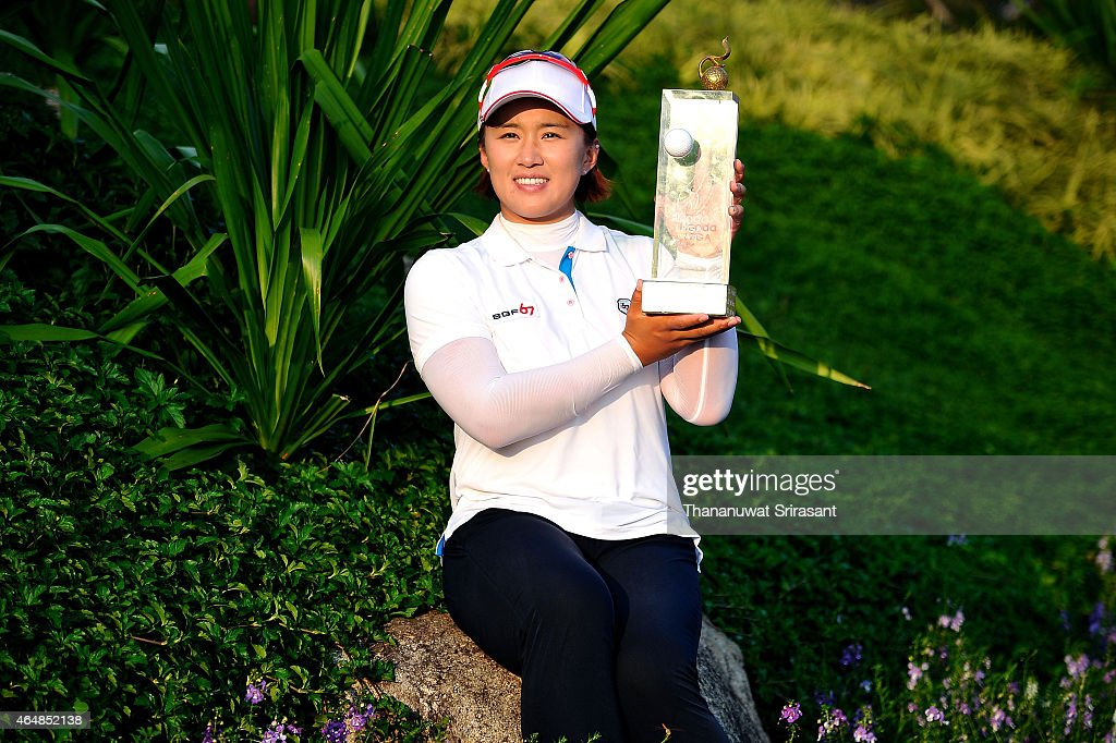 <a gi-track='captionPersonalityLinkClicked' href=/galleries/search?phrase=Amy+Yang&family=editorial&specificpeople=739014 ng-click='$event.stopPropagation()'>Amy Yang</a> of South Korea celebrates winning the Honda LPGA title during day four of the 2015 LPGA Thailand at Siam Country Club on March 1, 2015 in Chon Buri, Thailand.