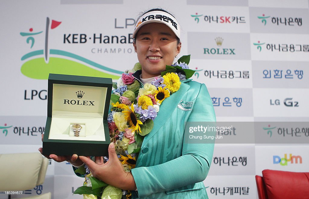 <a gi-track='captionPersonalityLinkClicked' href=/galleries/search?phrase=Amy+Yang+-+Golfer&family=editorial&specificpeople=739014 ng-click='$event.stopPropagation()'>Amy Yang</a> of South Korea poses with her Rolex Watch Award after play on day three of the LPGA KEB-HanaBank Championship at Sky 72 Golf Club Ocean Course on October 20, 2013 in Incheon, South Korea.