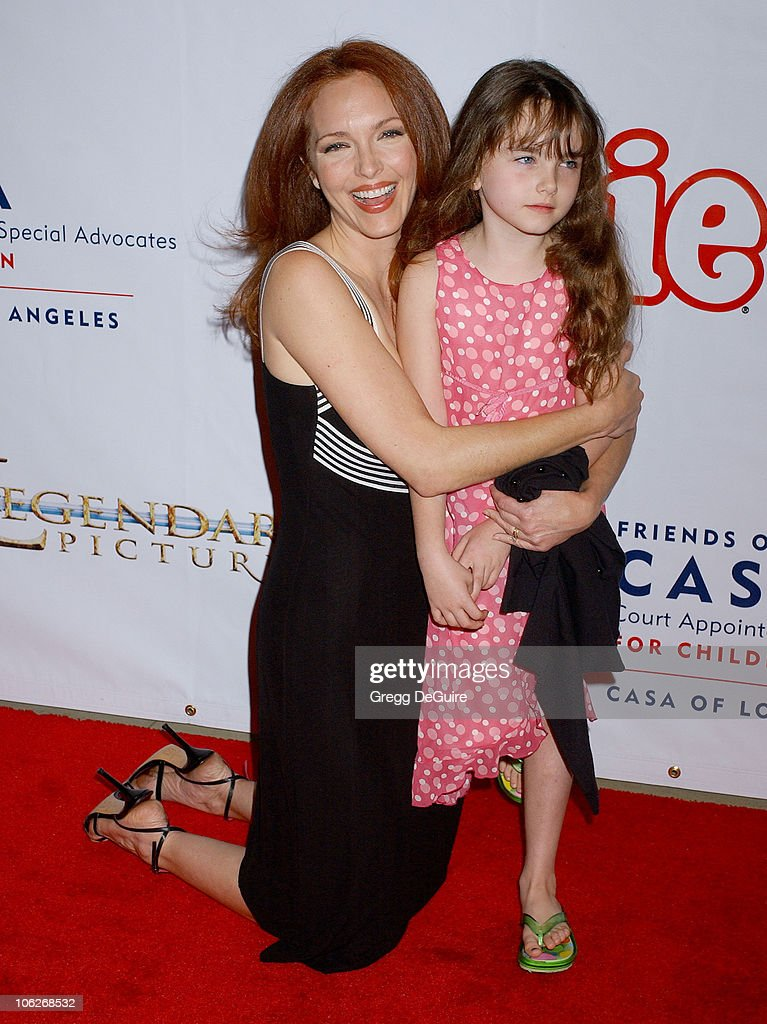 <a gi-track='captionPersonalityLinkClicked' href=/galleries/search?phrase=Amy+Yasbeck&family=editorial&specificpeople=211474 ng-click='$event.stopPropagation()'>Amy Yasbeck</a> and daughter Stella during 'Annie' Opening Night to Benefit CASA of Los Angeles - Arrivals at Pantages Theatre in Hollywood, California, United States.
