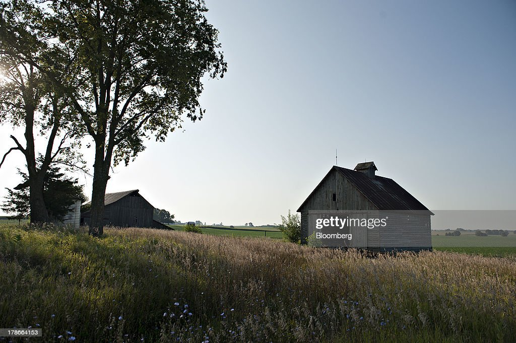 An abandoned corn crib stands in a field outside of Sheffield, Illinois, U.S., on Wednesday, Aug. 28, 2013. Wheat futures fell for a third straight day on signs of slack demand for inventories from the U.S., the worlds largest exporter, while soybeans dropped and corn gained. Photographer: Daniel Acker/Bloomberg via Getty Images