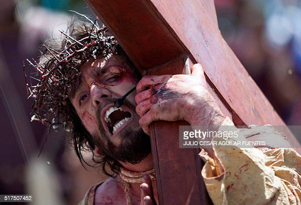 An actor performs as Jesus Christ during the Good Friday procession in Monterrey Mexico on March 25 2016 AFP PHOTO/Julio Cesar Aguilar / AFP / Julio...