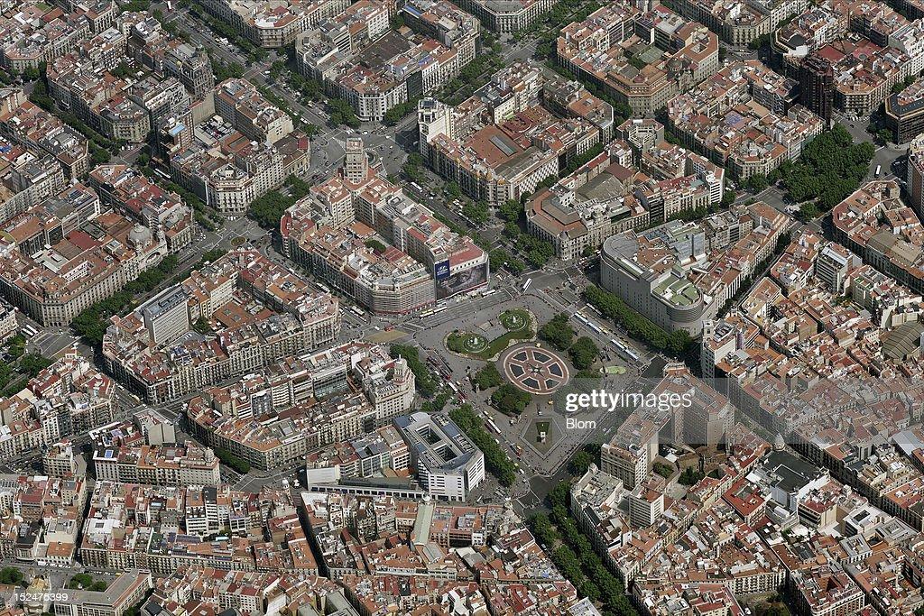 An aerial image of Plaza Catalunya Barcelona