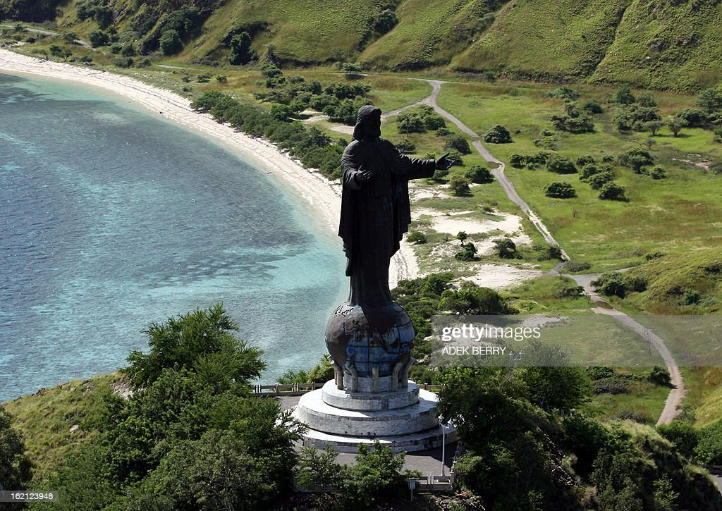 An aerial view from a UN helicopter shows a Jesus Christ statue near Dili 13 April 2007 East Timor presidential candidate Jose RamosHorta demanded a...
