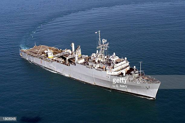 An aerial view of the amphibious assault ship USS Anchorage as it steams toward a scheduled deployment September 7 2000 to the Western Pacific The...