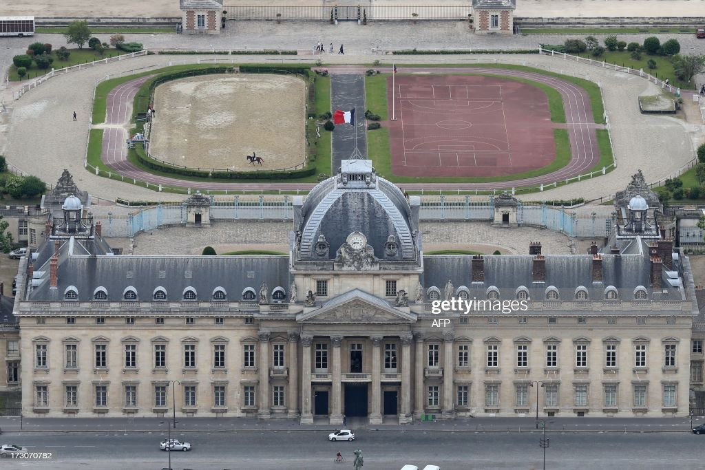 An aerial view taken from the Eiffel Tower on July 6, 2013 shows the Ecole Militaire (Military Academy) in Paris. AFP PHOTO / THOMAS SAMSON