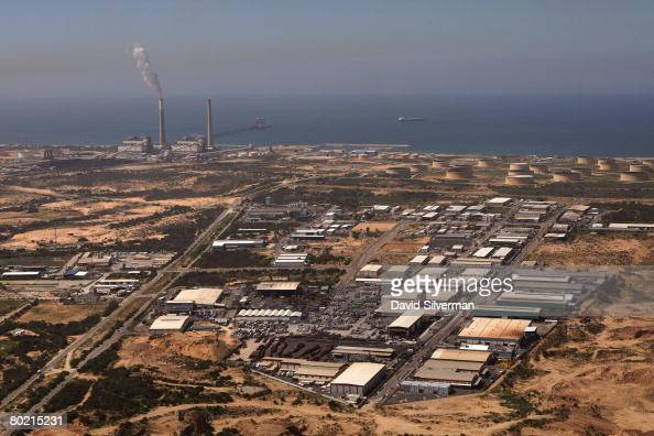 An aerial view taken March 12 2008 shows the power station and industrial zone of the southern Israeli city of Ashkelon In recent weeks over a dozen...