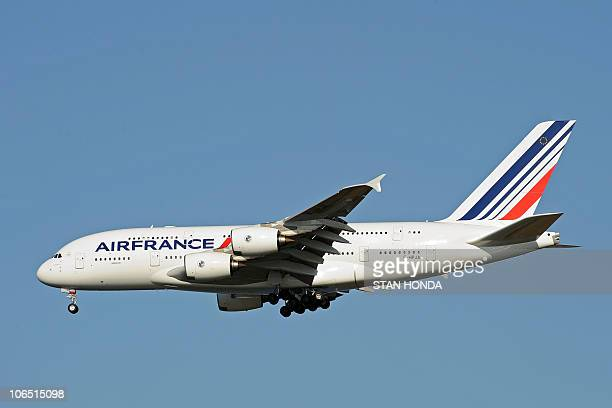 An Air France Airbus A380 plane lands at John F Kennedy International Airport November 20 2009 in New York for the first A380 Superjumbo flight on...