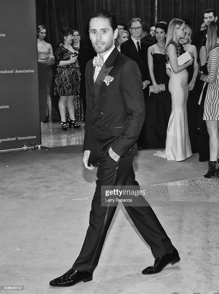 An alternative view of Actor <a gi-track='captionPersonalityLinkClicked' href=/galleries/search?phrase=Jared+Leto&family=editorial&specificpeople=214764 ng-click='$event.stopPropagation()'>Jared Leto</a> taking a selfie at the 102nd White House Correspondents' Association Dinner Weekend on April 30, 2016 in Washington, DC.