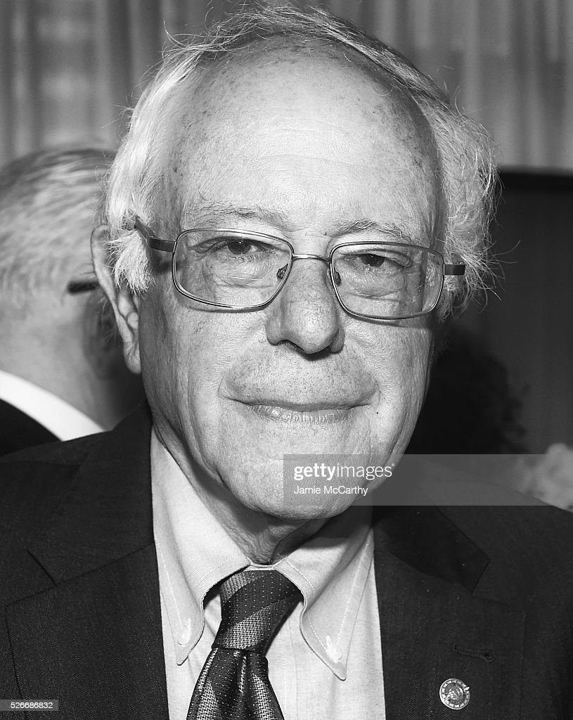 An alternative view of Senator <a gi-track='captionPersonalityLinkClicked' href=/galleries/search?phrase=Bernie+Sanders&family=editorial&specificpeople=2908340 ng-click='$event.stopPropagation()'>Bernie Sanders</a> at the 102nd White House Correspondents' Association Dinner Weekend on April 30, 2016 in Washington, DC.