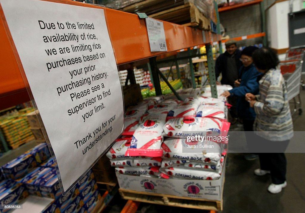 costco history fotos e imgenes de us big box retailers face rice shortages