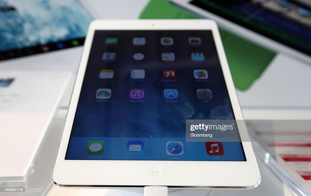 An Apple Inc. iPad is displayed at an NTT Docomo Inc. store in Tokyo, Japan, on Tuesday, June 10, 2014. NTT Docomo, Japan's largest wireless carrier by subscribers, began offering Apple Inc's iPad today. Photographer: Tomohiro Ohsumi/Bloomberg via Getty Images