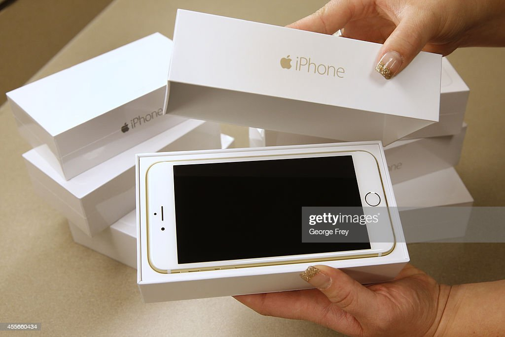 An Apple iPhone 6 Plus gold is shown here at a Verizon store in Orem Utah on September 18 2014 in Orem Utah Apples new iPhone 6's go on sale tomorrow...