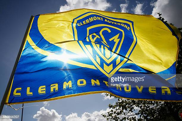 An ASM Clermont Auvergne flag is seen prior to kick off during the Heineken Cup SemiFinal match between Saracens and ASM Clermont Auvergne at...