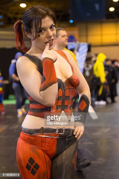Harley quinn stock photos and pictures getty images for Comic con body paint