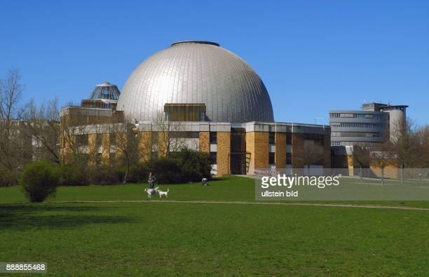 An diesem Wochenende 13042016 Feier zu 30 Jahre Kultur im Thaelmannpark im Kulturareal mit dem Theater unterm Dach Am 01 April 1986 eroeffnete hier...