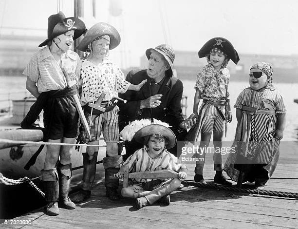 An early silent 'Our Gang' comedy The Buccaneers LR Andy Samuel Mickey Daniels Allan Cavan Mary Kornman Joe Cobb and Jackie Condon and Joe Cobb