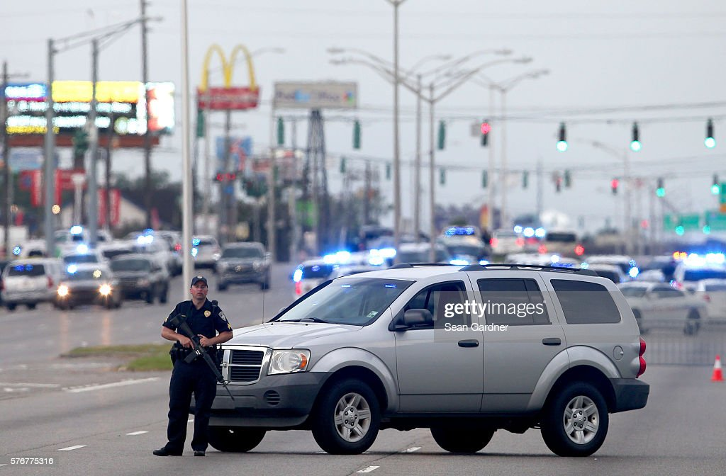 news baton rouge police officers shot wounded airline highway