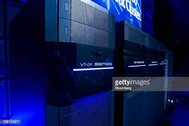 An EMC Corp VNX series storage unit is displayed during a media event in New York US on Tuesday Jan 18 2011 EMC today introduced multiple new storage...