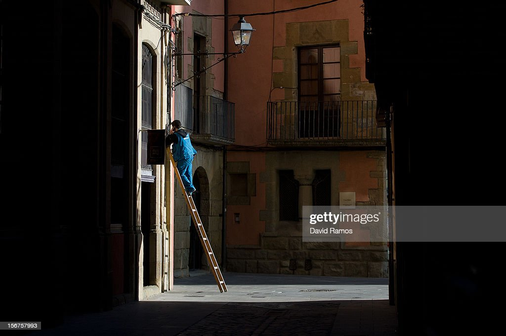 An employee of Movistar, the main Spanish phone operator, checks the phone's lines on November 20, 2012 in Vic, Spain. Over 5 million Catalans will be voting in Parliamentary elections on November 25.