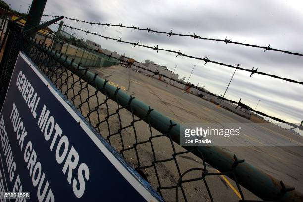 An employee parking lot normally full is vacant at the General Motors plant after it closed its doors May 13 2005 in Baltimore Maryland The plant...
